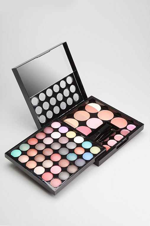 NYX Makeup Artist Palette: Black One Size Makeup