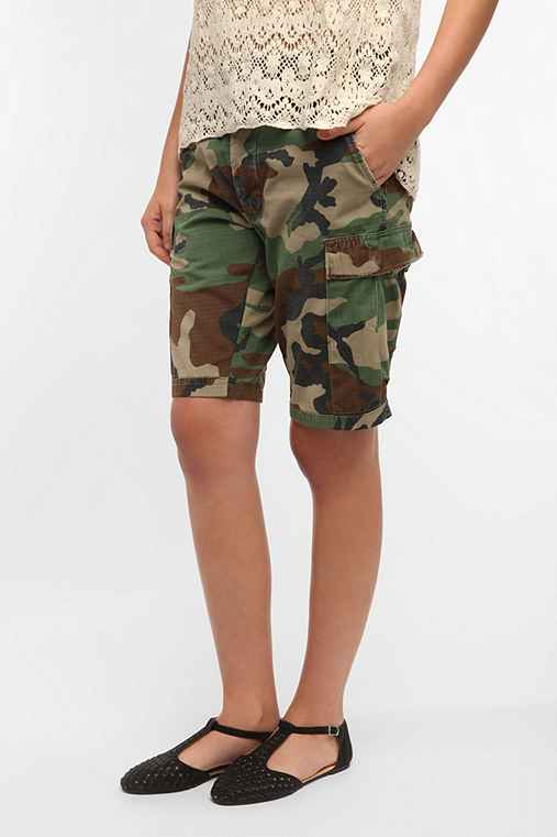 Snap x Urban Renewal Camo Boyfriend Short