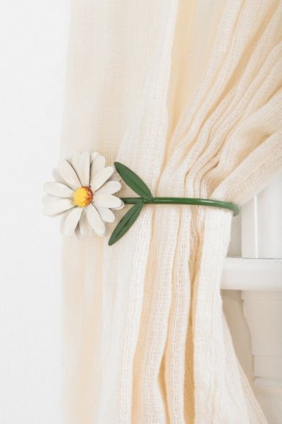 Plum & Bow Daisy Curtain Tie-Back