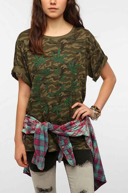 UNIF Leaf Spiral Camo Tee