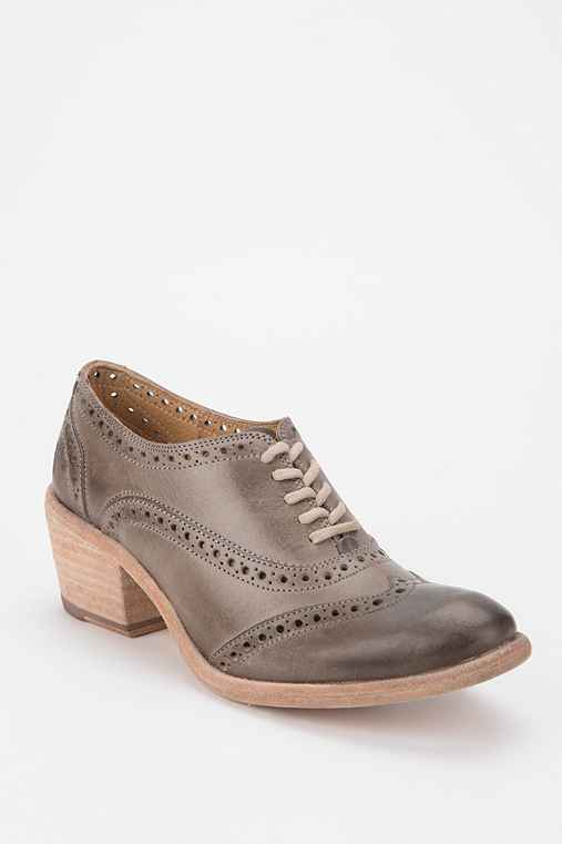 Frye Maggie Perforated Oxford