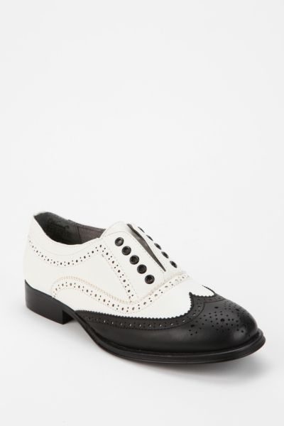 Wanted Laceless Oxford