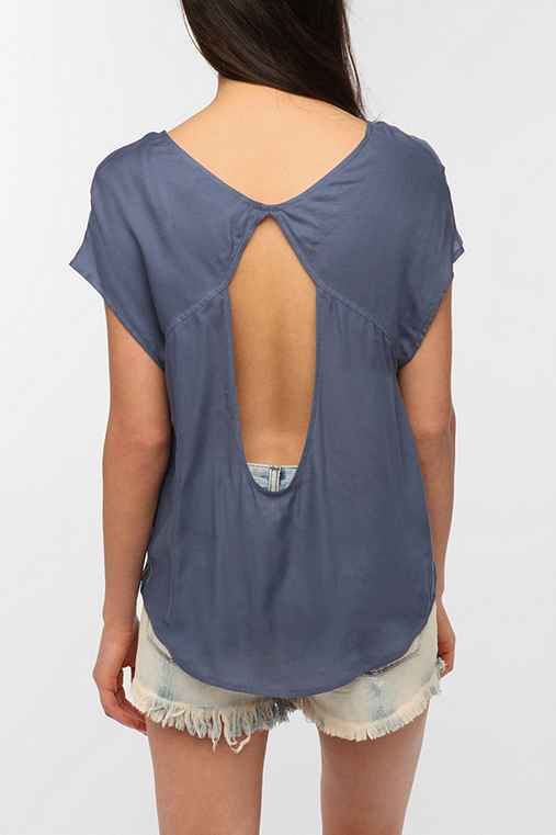 Ecote Soft Woven Open-Back Blouse