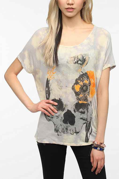 Daydreamer LA Blurred Flower Skull Tee