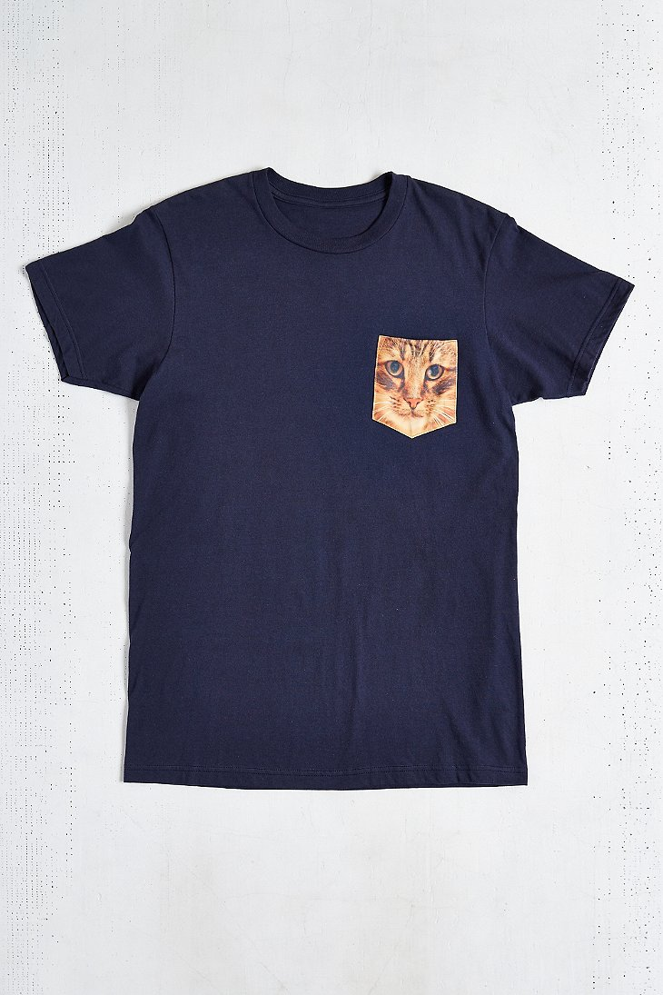 Cat pocket tee urban outfitters for Lucky cat shirt urban outfitters