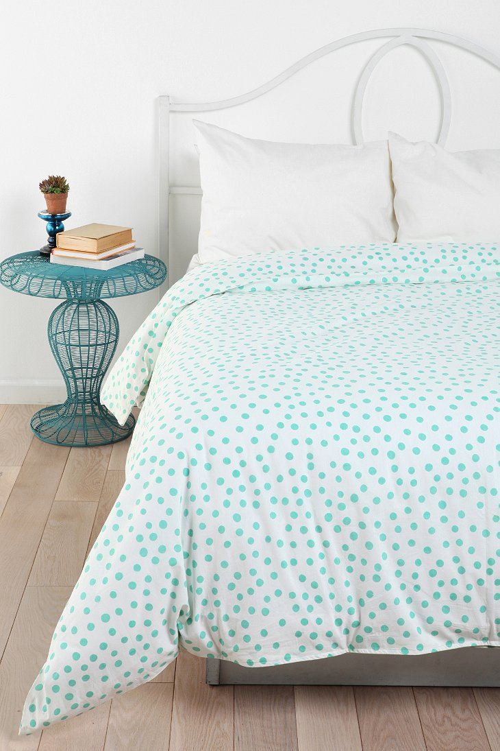 plum bow polka dot duvet cover urban outfitters. Black Bedroom Furniture Sets. Home Design Ideas