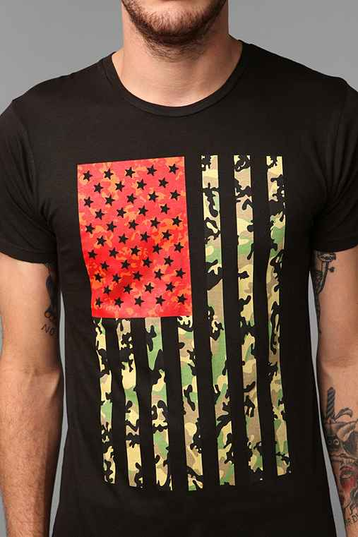 Altru camo flag tee urban outfitters for Altruy decoration sa
