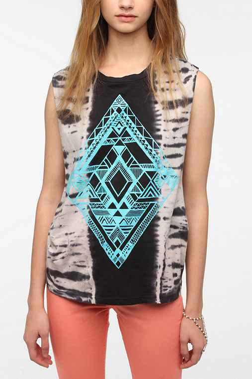 Title Unknown Geo Print Tie-Dye Muscle Tee