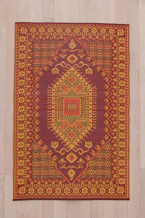Indoor/Outdoor Red Diamond Rug