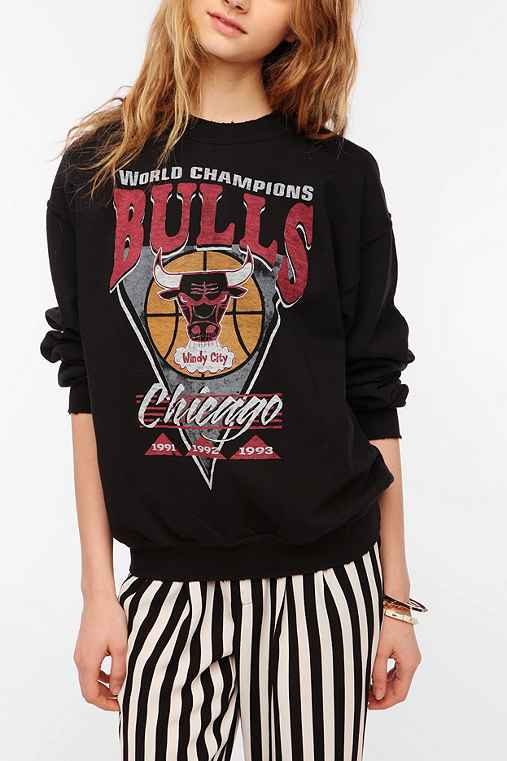 Junk Food Chicago Bulls Basketball Pullover Sweatshirt