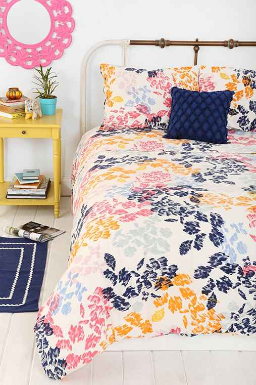 Plum Amp Bow Sketch Floral Duvet Cover Urban Outfitters