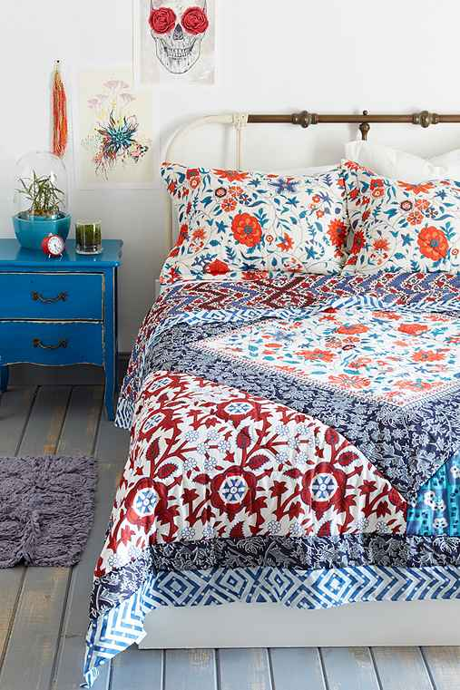 Magical Thinking Farmhouse Floral Quilt Urban Outfitters