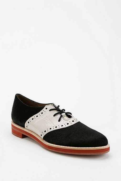 Top Picks for 1950s Black and White Saddle Shoes