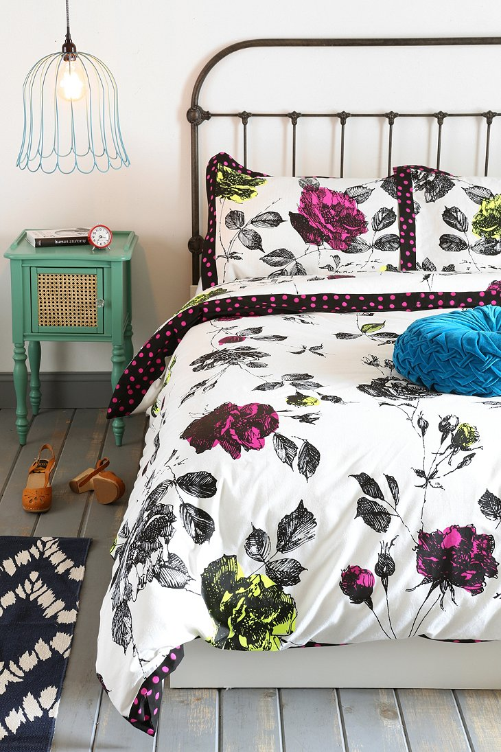 Plum Amp Bow Phlora Duvet Cover Urban Outfitters