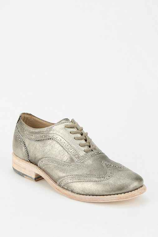 Steve Madden Repete Weathered Oxford