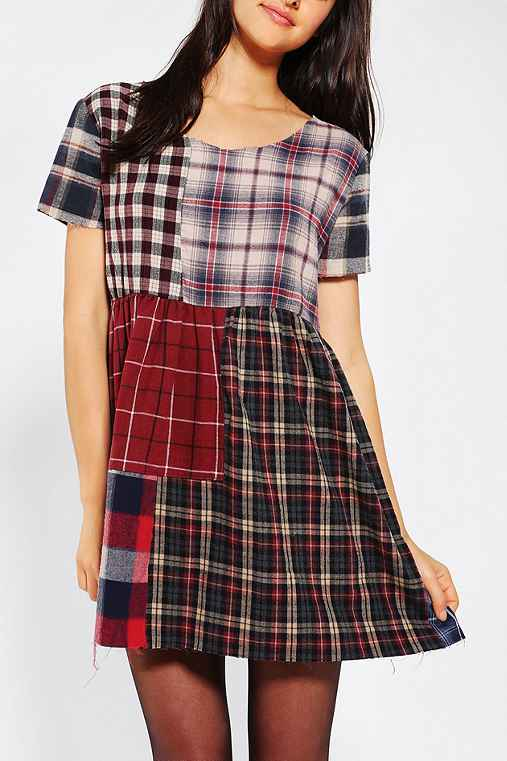 dress, plaid, flannel, 90s, nostalgia, retro, grunge, girly, babydoll, empire waist, urban outfitters, cute, fun, casual, date night, flowy, festival, coachella, 2013, 2014