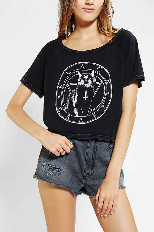 Black craft black cat cult cropped tee urban outfitters for Lucky cat shirt urban outfitters
