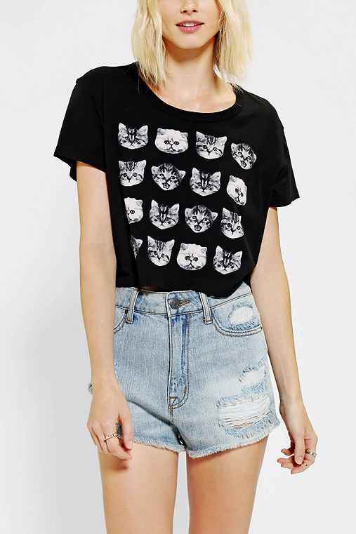 Truly madly deeply catsssss cropped tee urban outfitters for Lucky cat shirt urban outfitters