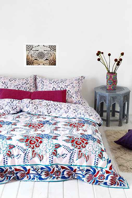 Magical thinking windy floral duvet cover urban outfitters Magical thinking bedding