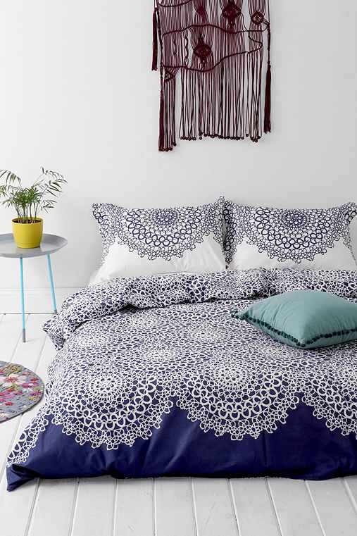 Plum bow gossamer duvet cover urban outfitters for Exclusive plum bedroom