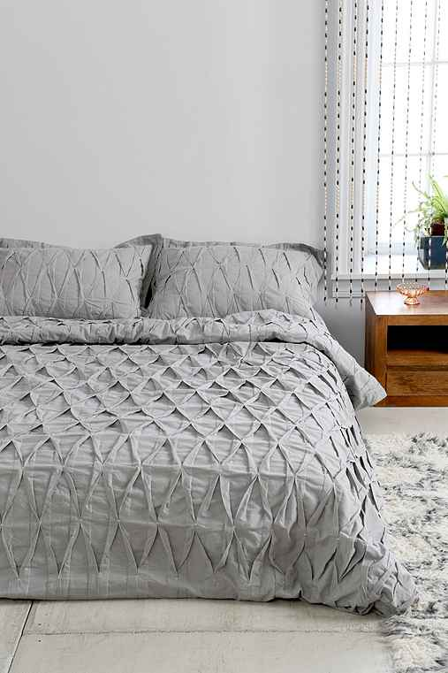 Plum Amp Bow Pinch Pleat Duvet Cover Urban Outfitters