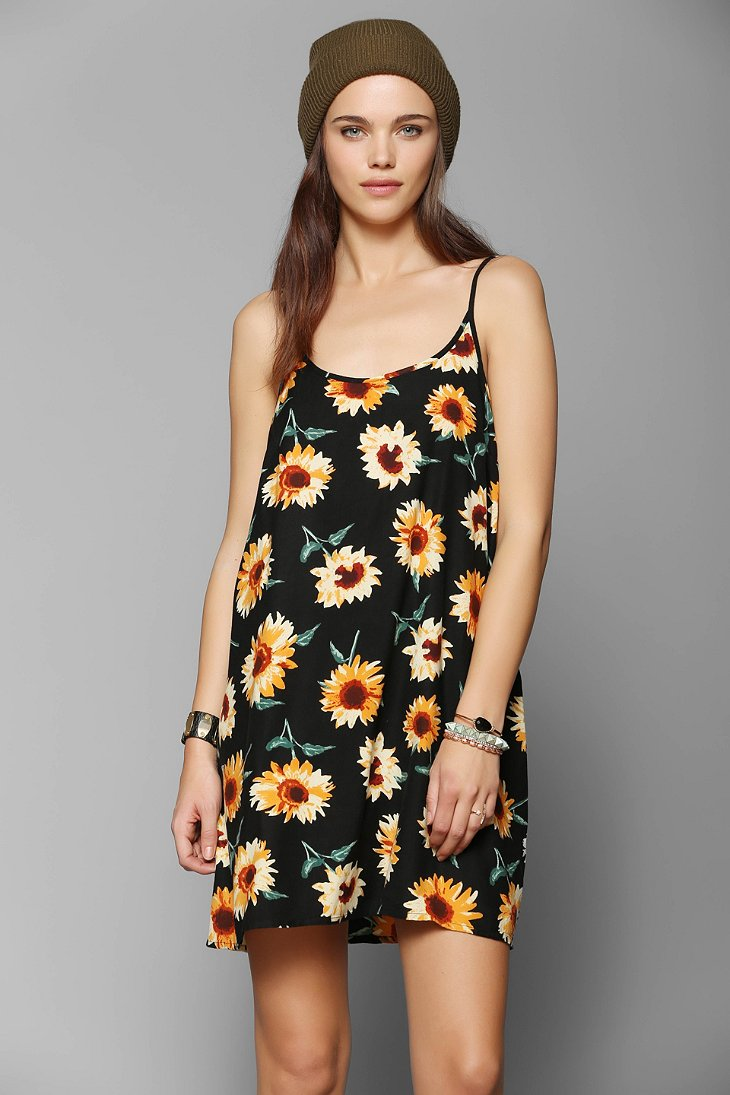 Kimchi Blue Simple 90s Slip Dress - Urban Outfitters