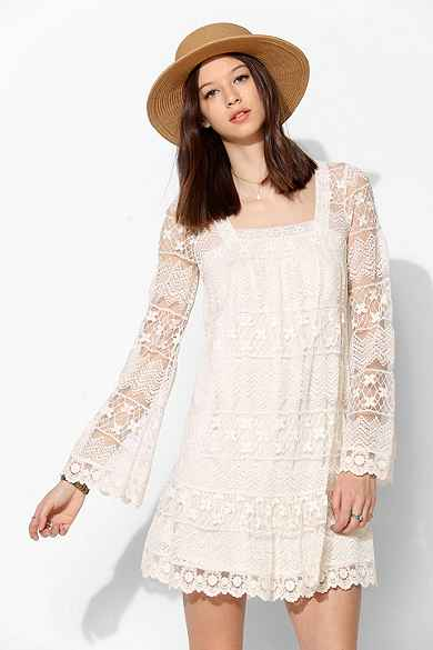 Kimchi Blue Buttercup Lace Bell-Sleeve Dress