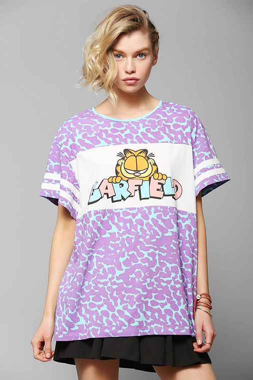 Lazy oaf cool cat oversized tee urban outfitters for Lucky cat shirt urban outfitters
