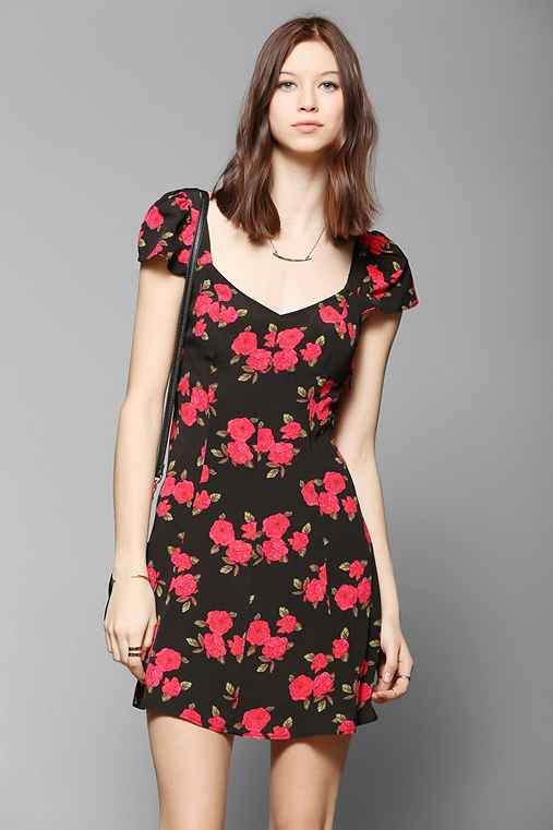 Kimchi Blue Cross-Back Floral Dress