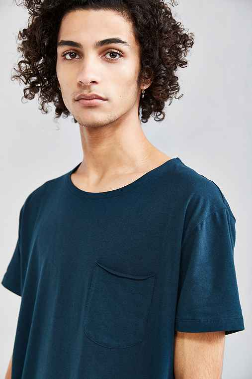 Feathers Curved Hem Tee,TURQUOISE,S