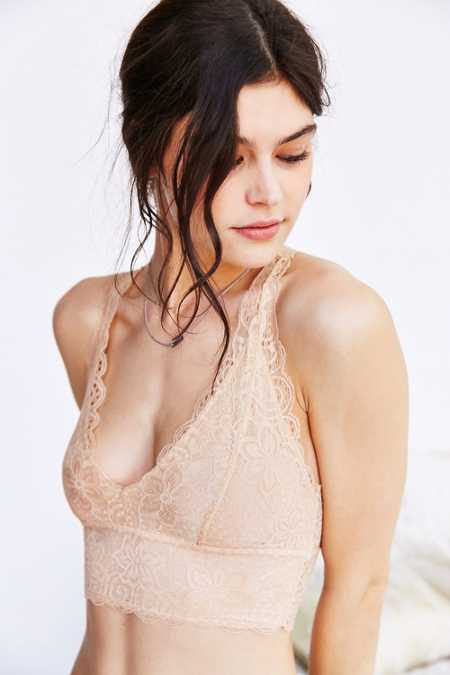 Kimchi Blue Allover Scalloped Lace Bralette