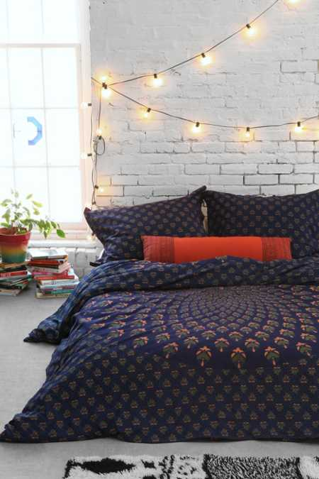 Magical Thinking Meadow Paisley Medallion Duvet Cover