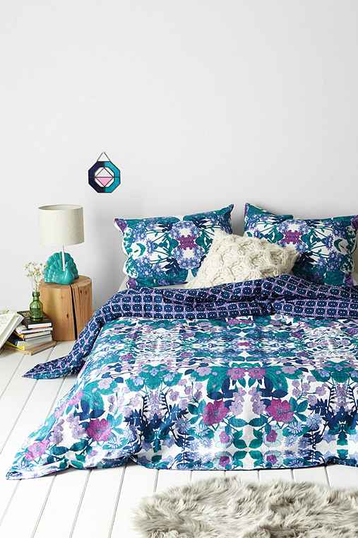Plum Amp Bow Aurora Washed Flower Duvet Cover Urban Outfitters
