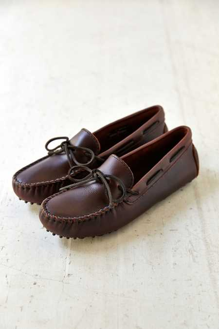 Minnetonka Original Cowhide Driving Moccasin