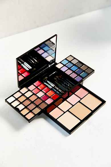 Gift Sets Palettes Urban Outfitters