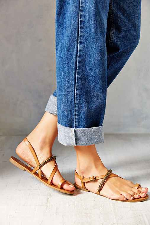 We Who See Kendall Toe-Hold Sandal
