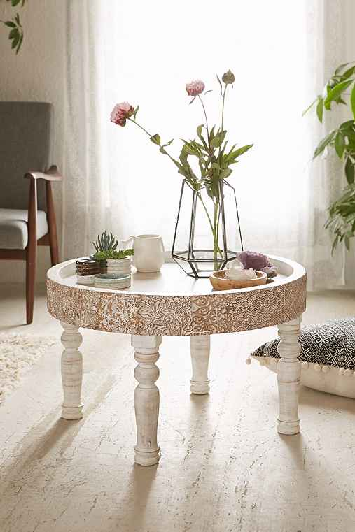 Hope round coffee table urban outfitters for Coffee table urban