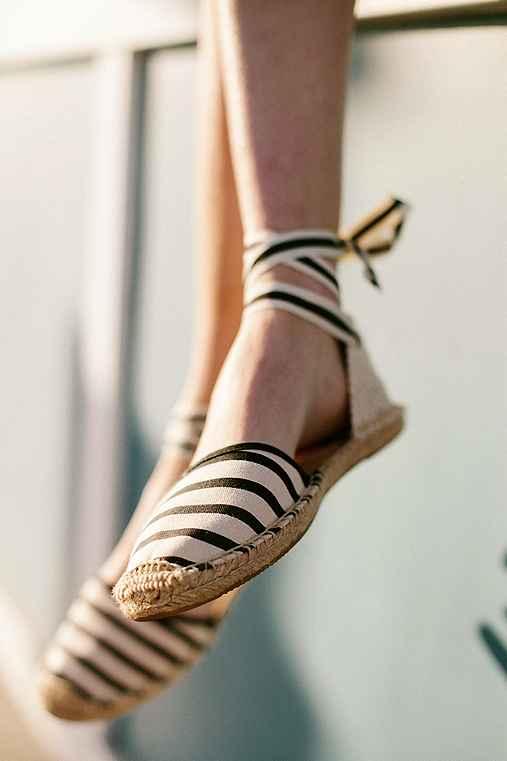 Soludos Classic Canvas Stripe Espadrille Sandal,BLACK & WHITE,9