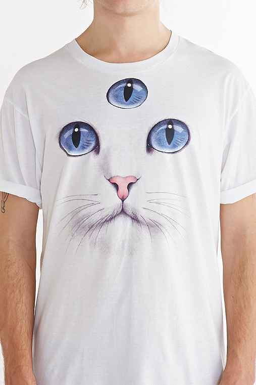 Wowch third eye cat tee for Lucky cat shirt urban outfitters