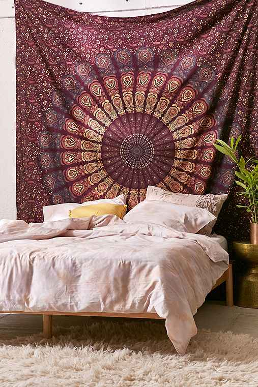 Magical Thinking Odette Medallion Tapestry,MAROON,ONE SIZE