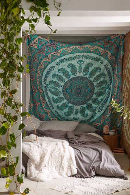 Tapestries urban outfitters for Bedroom ideas urban outfitters