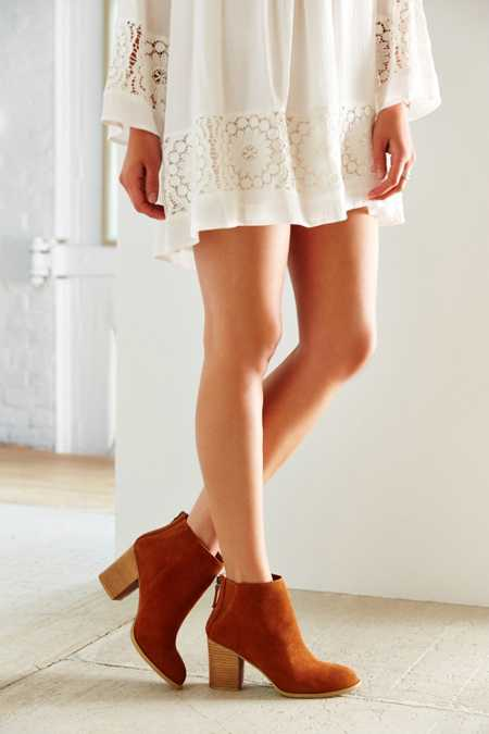 Ecote Short Suede Boot