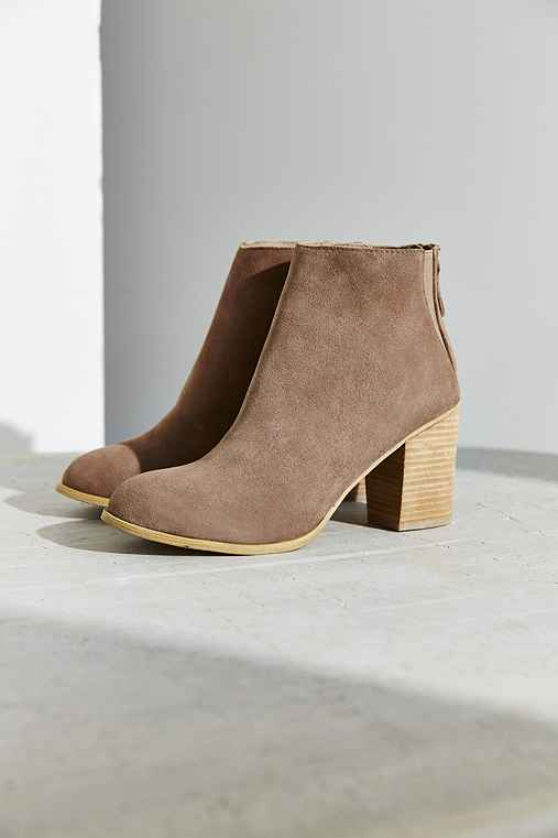 Ecote Short Suede Boot,TAUPE,6
