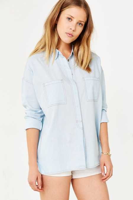 BDG Step-Hem Denim Popover Shirt