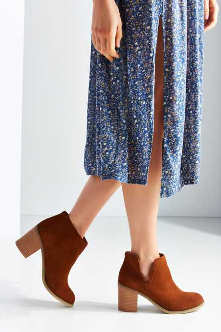 Dindle Suede Ankle Boot