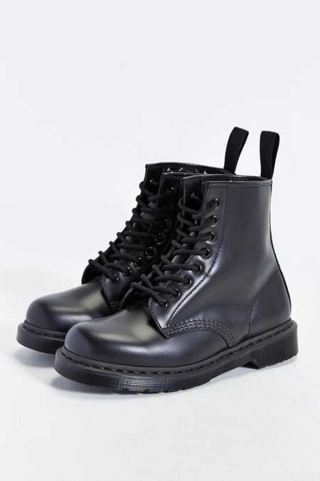 Dr. Martens 1460 8-Eye Mono Boot
