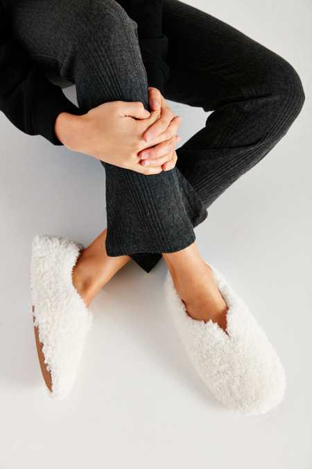 UO Fluffy Slipper