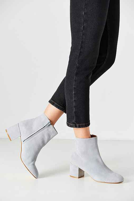Thelma Suede Ankle Boot,GREY,6