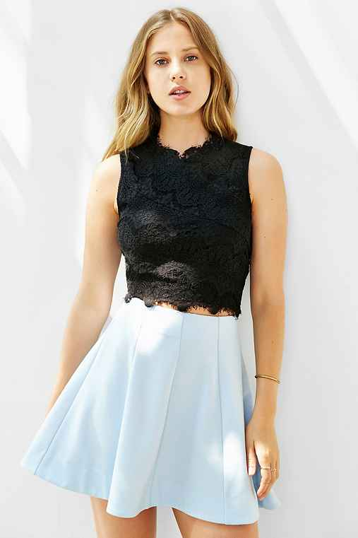 Kimchi Blue Lacey Cropped Tank Top,BLACK,XS