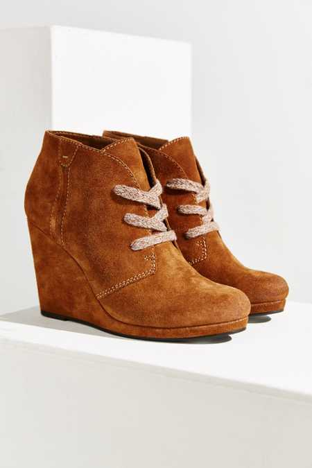 Dolce Vita Gael Wedge Ankle Boot